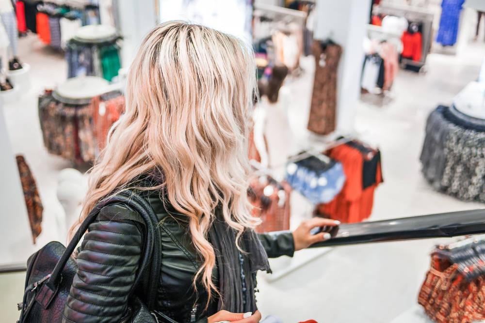 Comportements d'achat des femmes grandes dans l'habillement